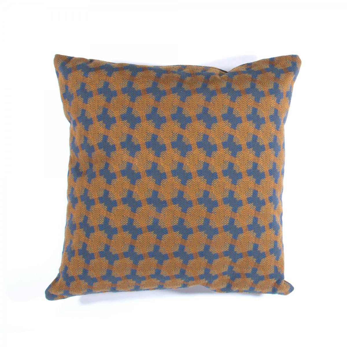 01-20140503-pillow-01