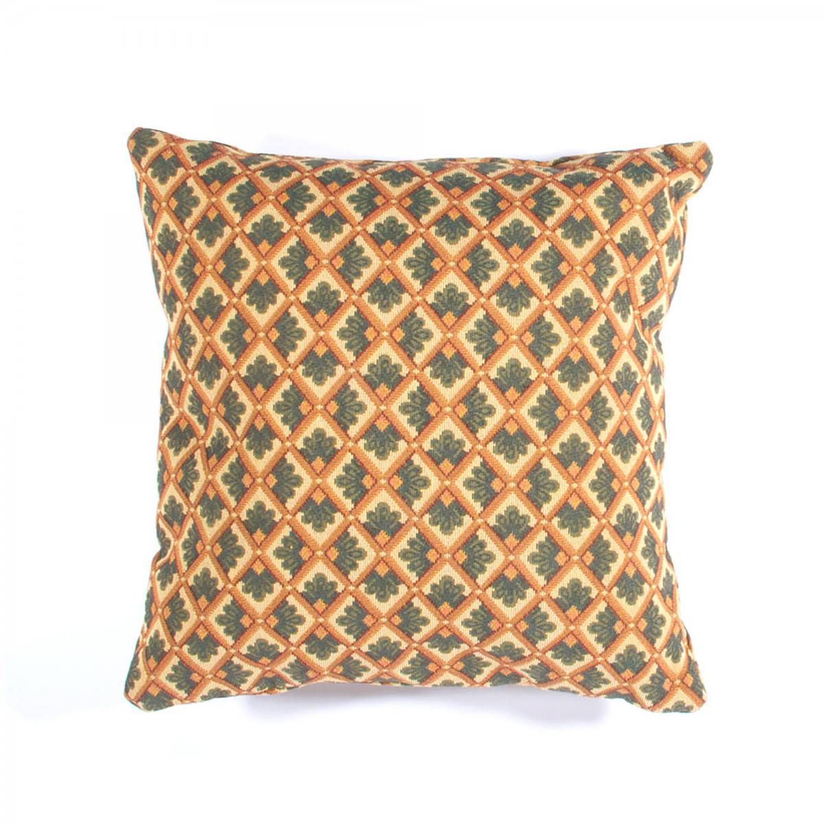 02-20140503-pillow-02
