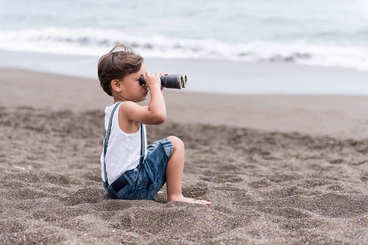 02-beach-kids