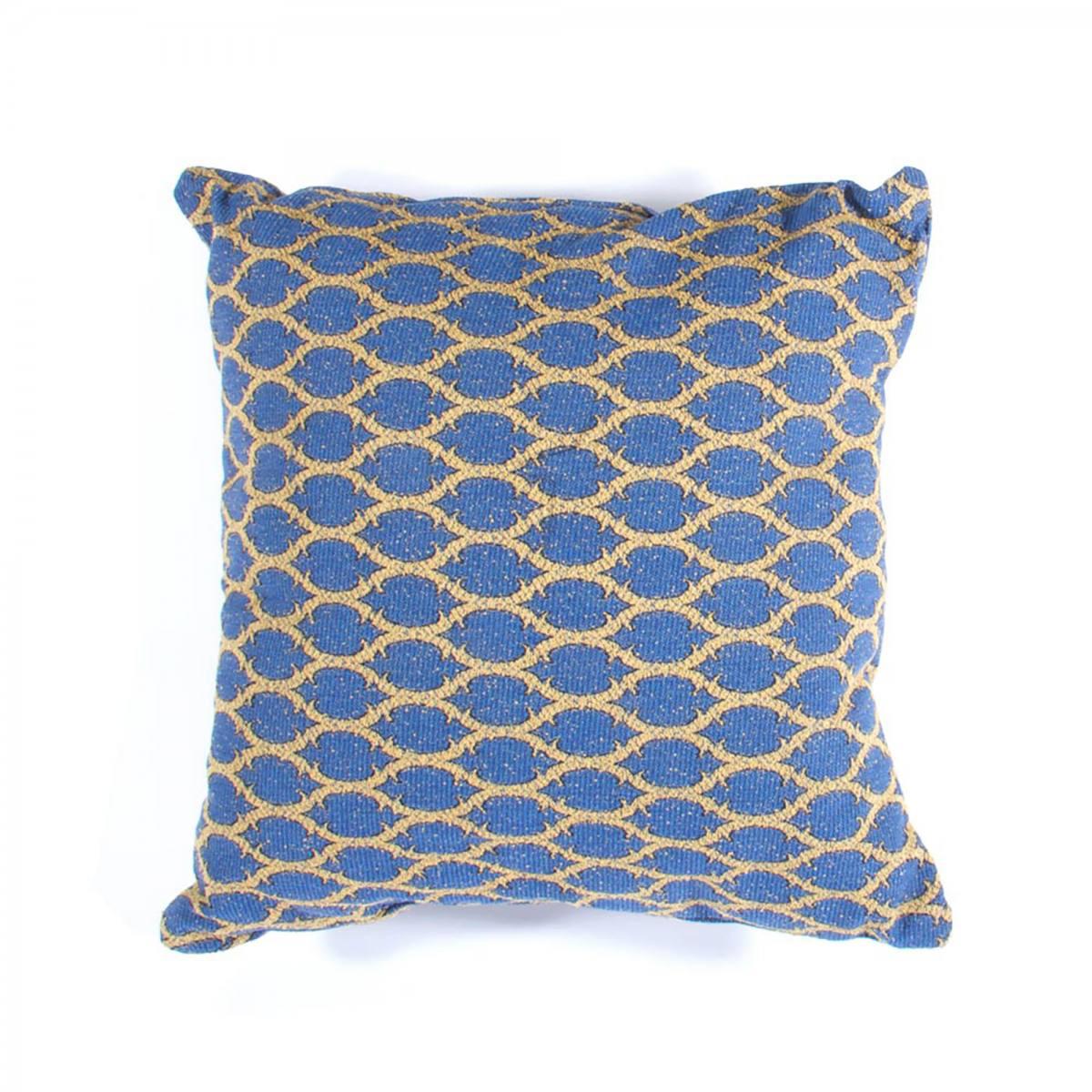 03-20140503-pillow-03