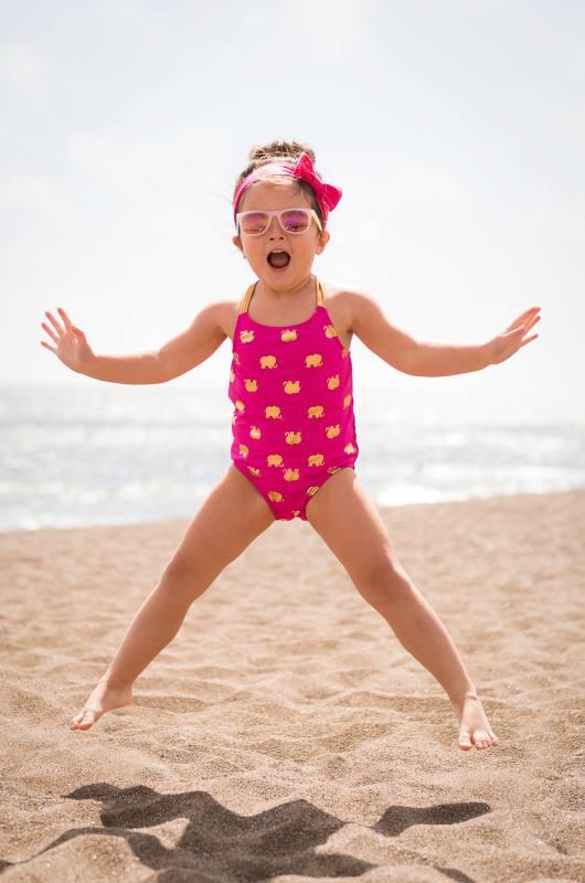 03-beach-kids