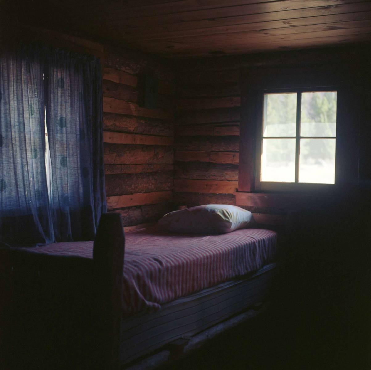 03-cabinbed