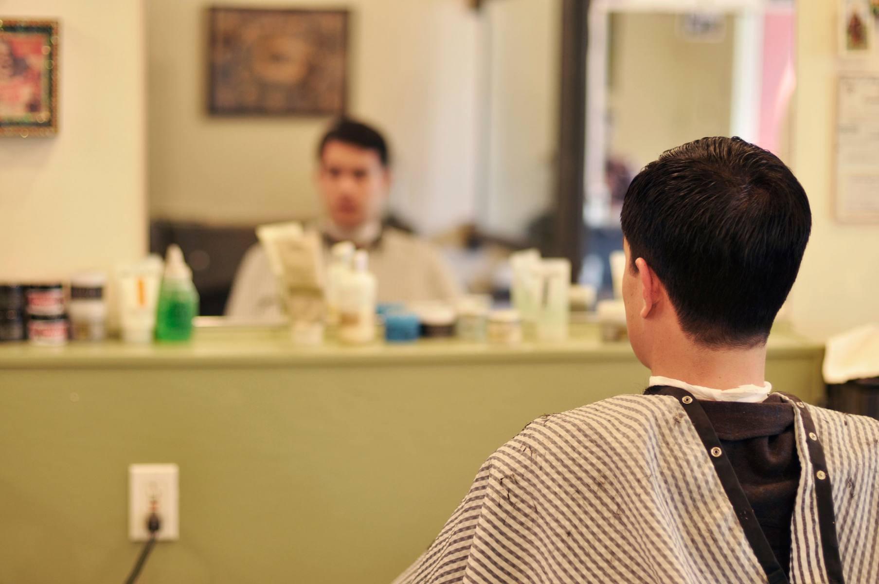 06-barber_01